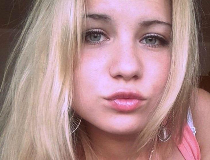 super cute flit teen live cam girl
